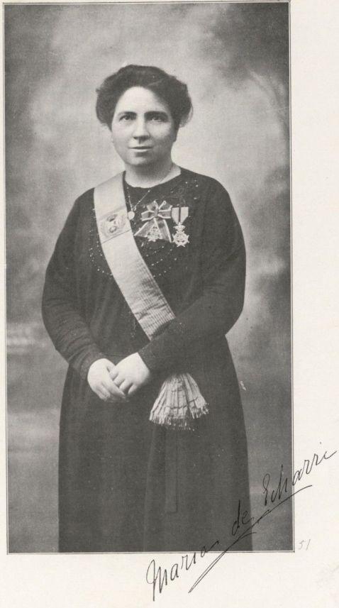 María Echarri