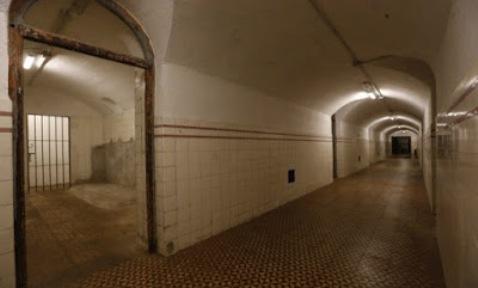 Pasillo interior del búnker